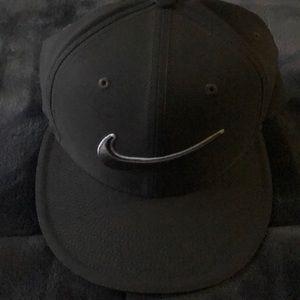 Nike men's golf hat